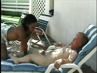 Порно в черных чулках на шпильках