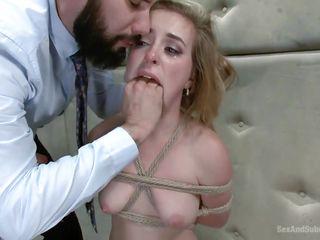 Порно где кончают в рот